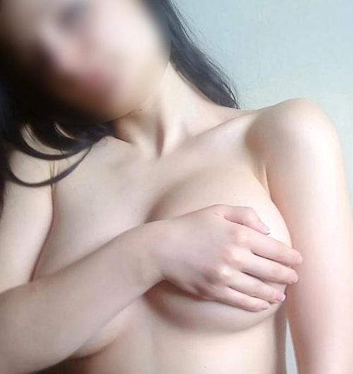 Annica – Sie sucht Mann für Sex Erotik Massage in Hotels Berlin