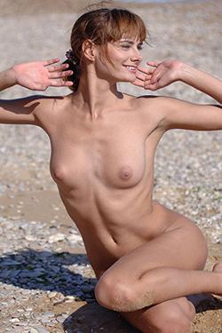 Top Nutte Yannie Berlin Escort Erotisch massieren Kontaktanzeigen